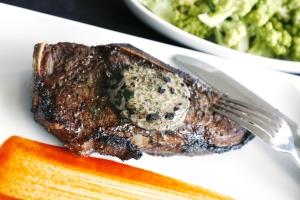 A carne é preparada na temperatura de 1500º F. Foto de divulgação.