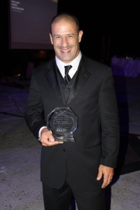 O piloto de Formula Indy Tony Kanaan também foi homenageado pelo seu trabalho com o Instituto Barrichello Kanaan, que ele fundou em 2004 junto com Rubens Barrichello. Foto de Barbara Corbellini Duarte