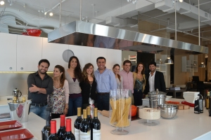 Com a equipe do showroom de Miami. Foto de Carla Guarilha