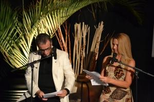 Apresentadores Carlos Borges e Maria do Carmo Fulfaro. Foto de Carla Guarilha