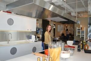No modelo de cozinha, logo na entrada da Ornare em Miami. Foto de Carla Guarilha