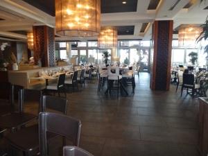 1500º é o restaurante principal do tradicional Hotel Eden Roc. Foto: Direto de Miami.