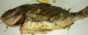 Simplicidade no preparo é chave do sabor do peixe, diz Liza. Cortesia Ouzo