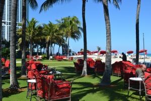 Restaurante Costa Grill é perfeito para um drink no fim do dia. Só senta se for hóspede ou sócio do Beach Club. Foto de Carla Guarilha