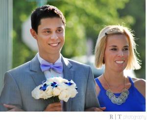 Felipe com a irmã Claudia, na festa de seu casamento com Juan