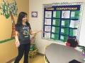 A professora Adriane Silva é coordenadora do programa de português da Downtown Doral Charter Elementary School .